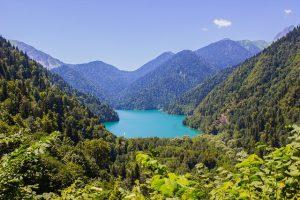 Causes juridiques de l'indétermination du statut de l'Abkhazie et de l'Ossétie du Sud