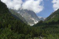 Logiques transfrontalières et conflit en Ossétie du Sud (1992-2008): le Transkam