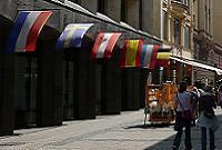 Riga, Drapeaux, Lettonie