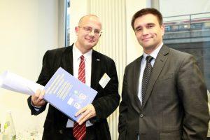 La crise du Covid-19: un moment critique pour l'Ukraine et pour le monde (1/2)