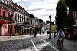 Kaunas la lituanienne et Vilnius la cosmopolite