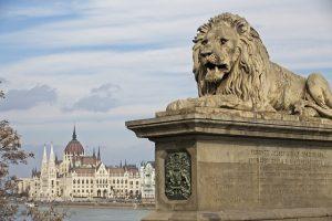 La maladie de la «thématisation» en Hongrie