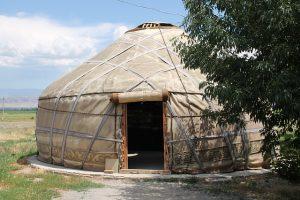 Kirghizstan, cuisine sous la yourte
